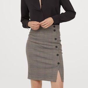 Knee-length pattern-weave skirt